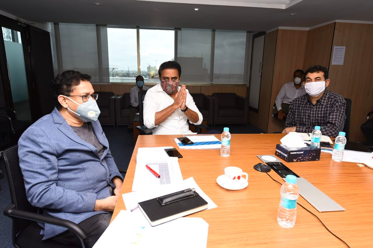 Minister-for-IT-Industries-and-MAUD-KT-Rama-Rao-reviewed-the-progress-of-T-Fiber-project-16-06-2020